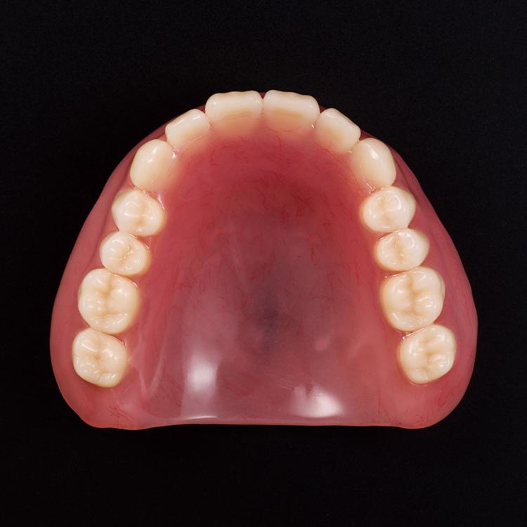 レジン床義歯〜総入れ歯